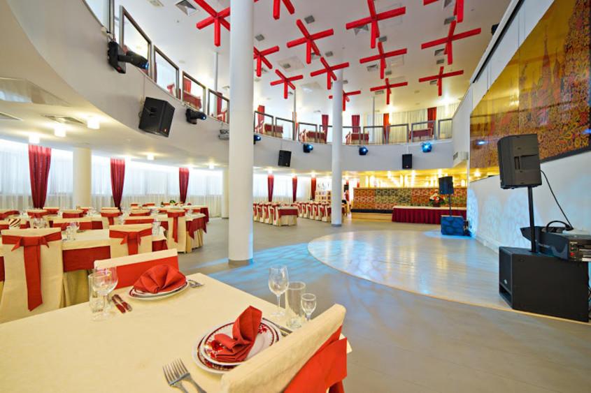 Ресторан, Банкетный зал на 250 персон в САО, м. Полежаевская, м. Октябрьское поле, м. Сокол от 3500 руб. на человека