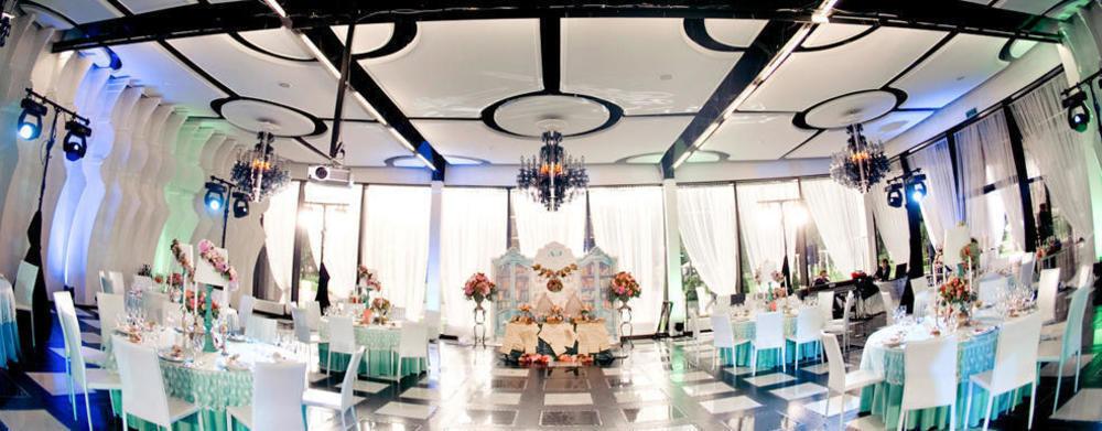 Ресторан, Банкетный зал, При гостинице, За городом на 300 персон в САО,  от 4500 руб. на человека