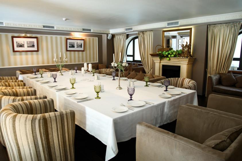 Ресторан на 40 персон в ЦАО, м. Краснопресненская от 1500 руб. на человека