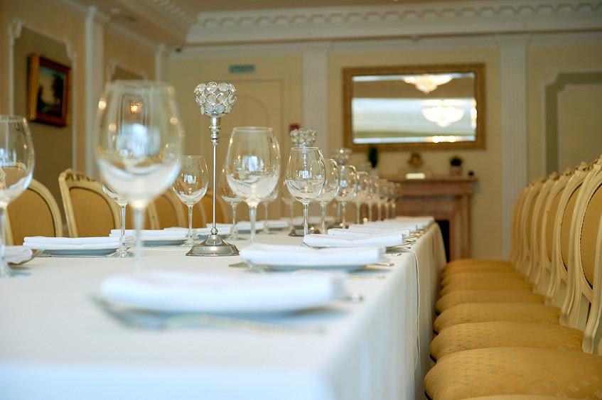 Ресторан, Банкетный зал, За городом на 30 персон в СЗАО, ЗАО,  от 4000 руб. на человека