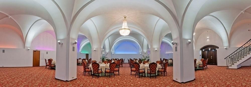 Ресторан, Банкетный зал, При гостинице на 220 персон в ЦАО, м. Театральная, м. Пл. Революции, м. Охотный ряд от 6000 руб. на человека