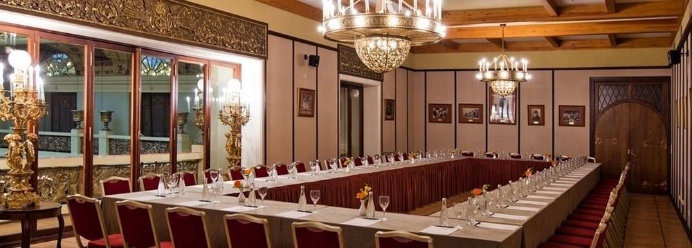 Ресторан, Банкетный зал, При гостинице на 70 персон в ЦАО, м. Театральная, м. Пл. Революции, м. Охотный ряд от 6000 руб. на человека