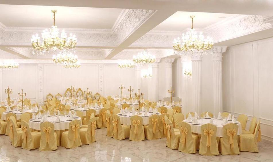 Банкетный зал на 250 персон в ЦАО, ЮЗАО, м. Ленинский проспект от 3500 руб. на человека