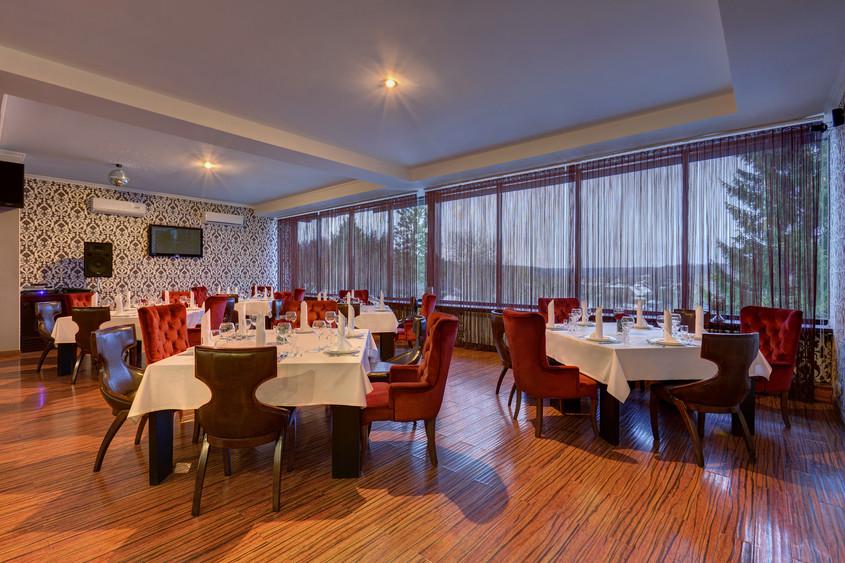 Ресторан, За городом на 50 персон в ЮВАО,  от 3500 руб. на человека