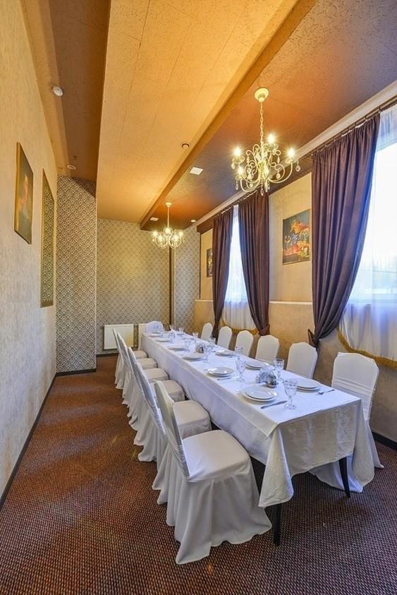 Банкетный зал на 12 персон в ЮАО, м. Чертановская от 2000 руб. на человека