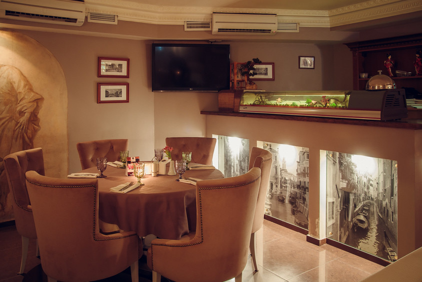 Ресторан на 35 персон в ЦАО, м. Смоленская от 1500 руб. на человека