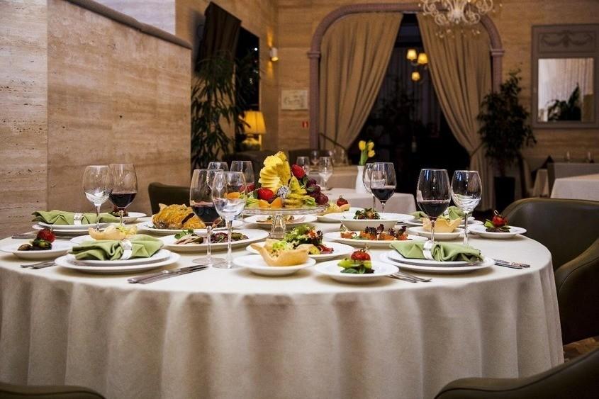 Ресторан на 40 персон в ЦАО, м. Кутузовская от 3500 руб. на человека