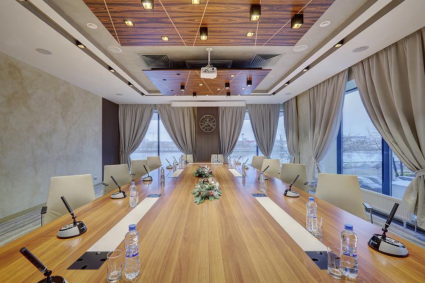 При гостинице, Конференц-зал на 30 персон в ЮАО, м. Павелецкая, м. Тульская, м. Нагатинская от 3000 руб. на человека