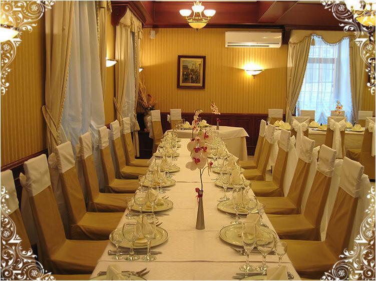 Ресторан, Банкетный зал на 70 персон в ЦАО, м. Арбатская, м. Боровицкая, м. Библиотека им. Ленина, м. Александровский сад, м. Кропоткинская от 2500 руб. на человека