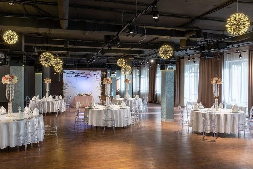 Банкетный зал на 350 персон в ЦАО, м. Бауманская от 2500 руб. на человека