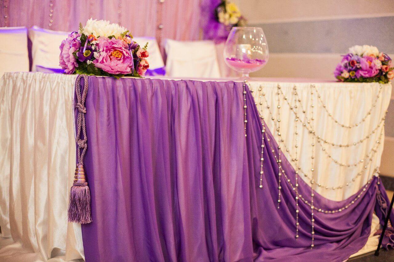 оформление свадебного банкета тканью