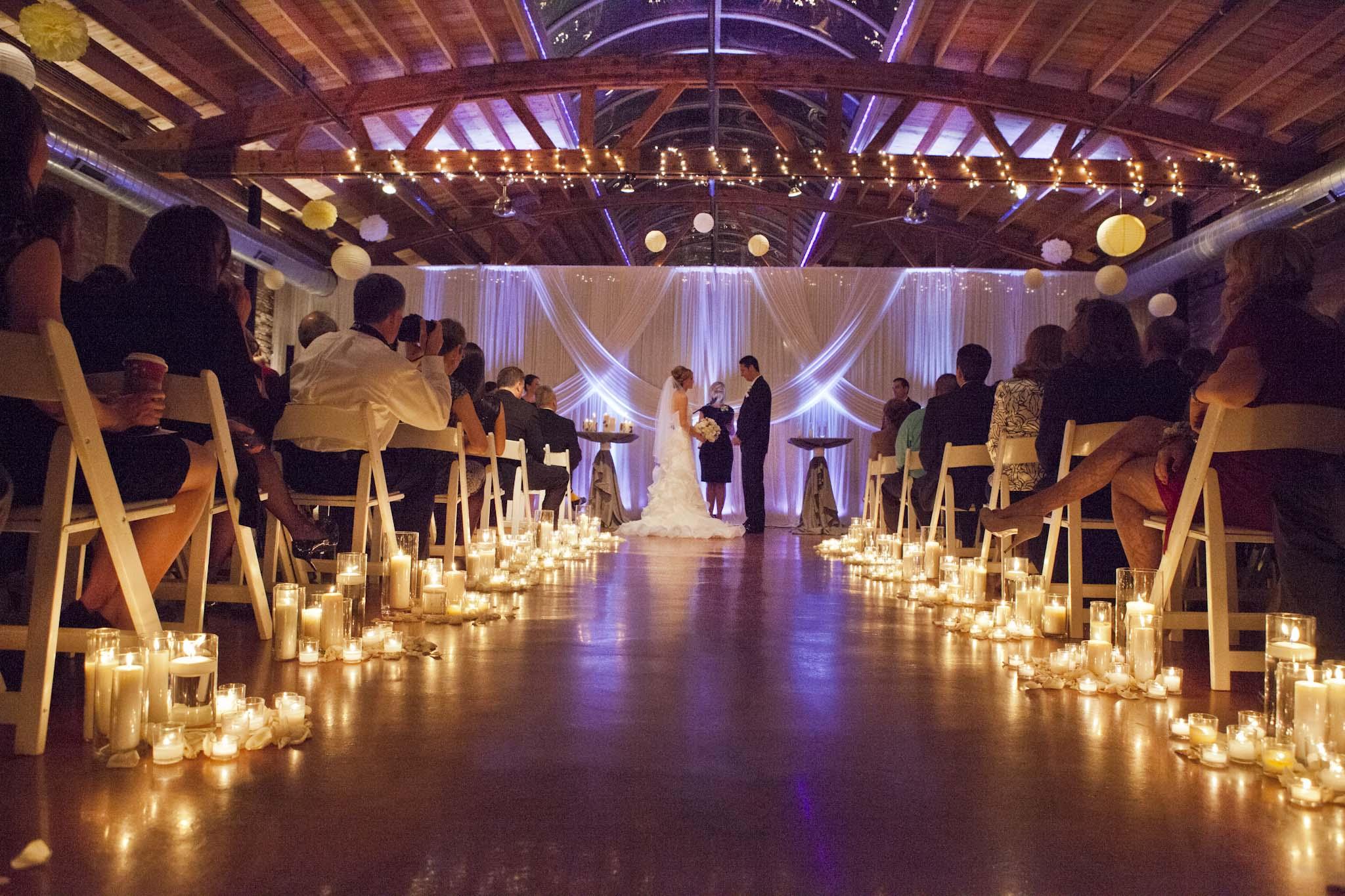 свадебный банкет при свечах