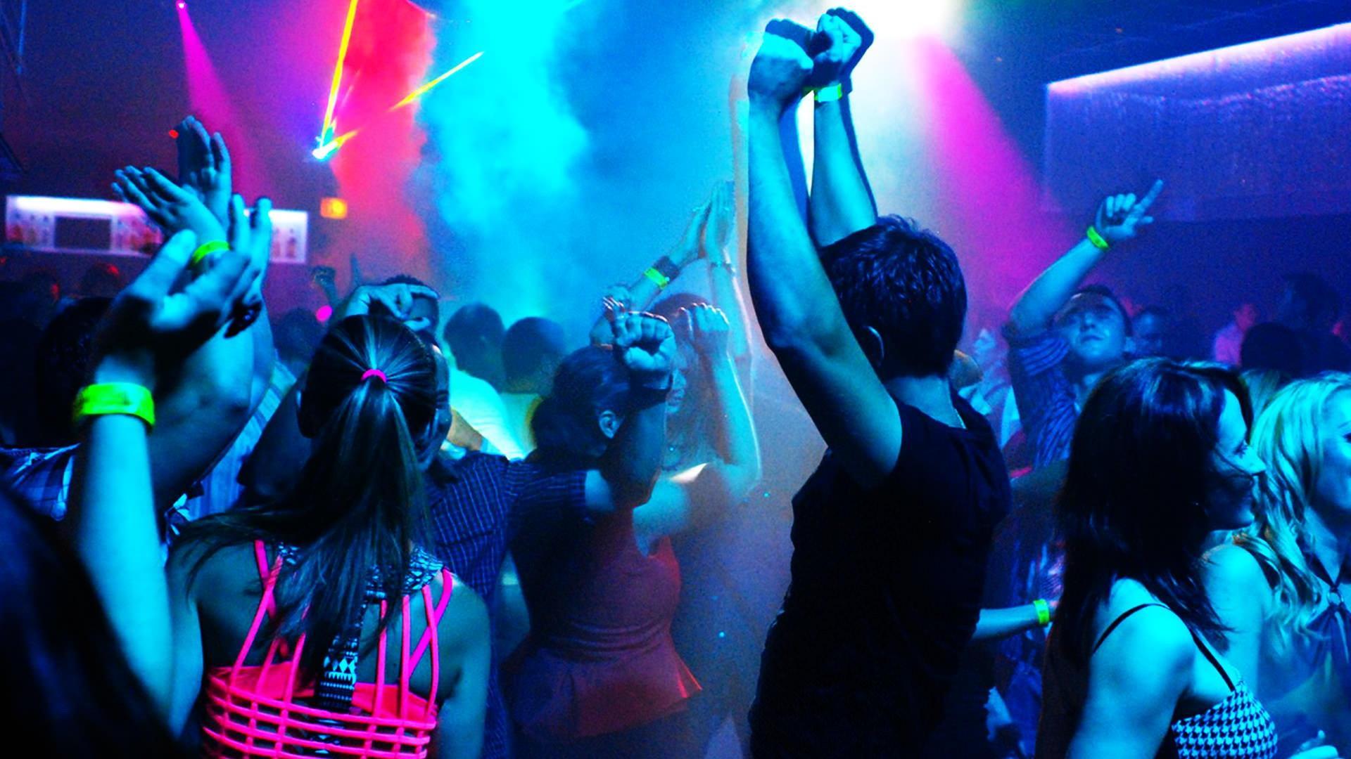 видео вечеринок в ночных клубах