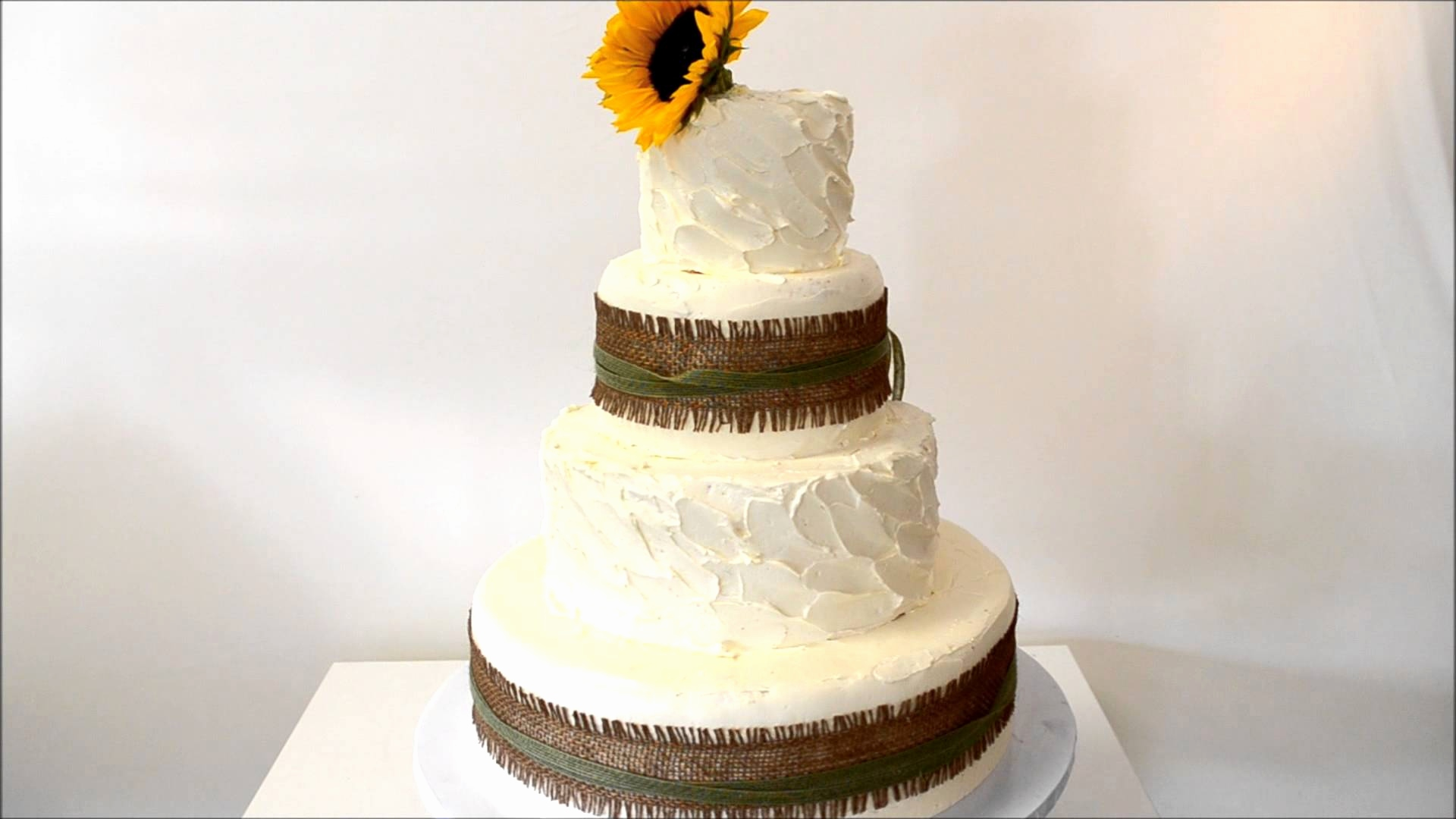 Торт на свадебном банкете