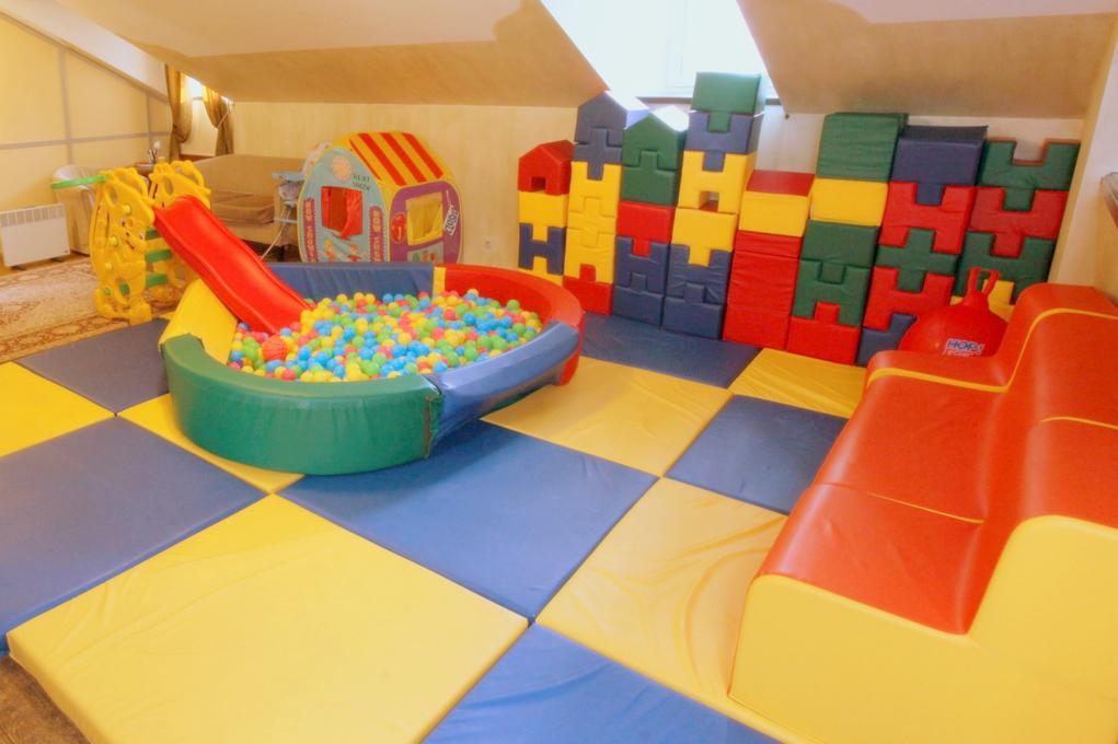 детская комната на банкете