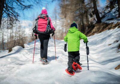 raquette-dans-la-neige-comment-preparer-sa-sortie