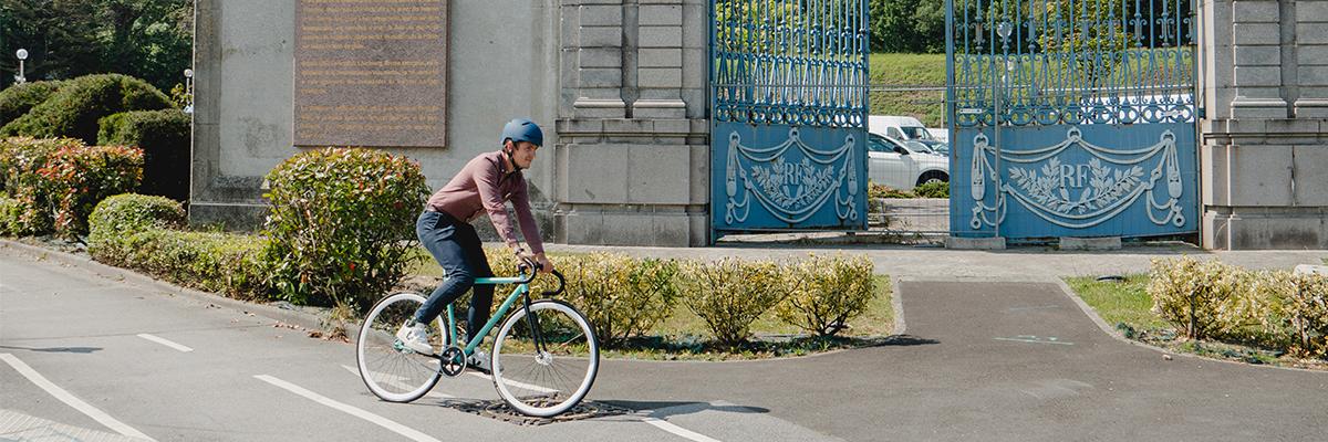 Homme à vélo, Porte du midi, Cherbourg-en-Cotentin