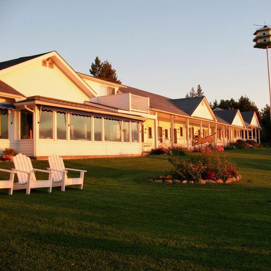 Shore Acres Inn & Restaurant