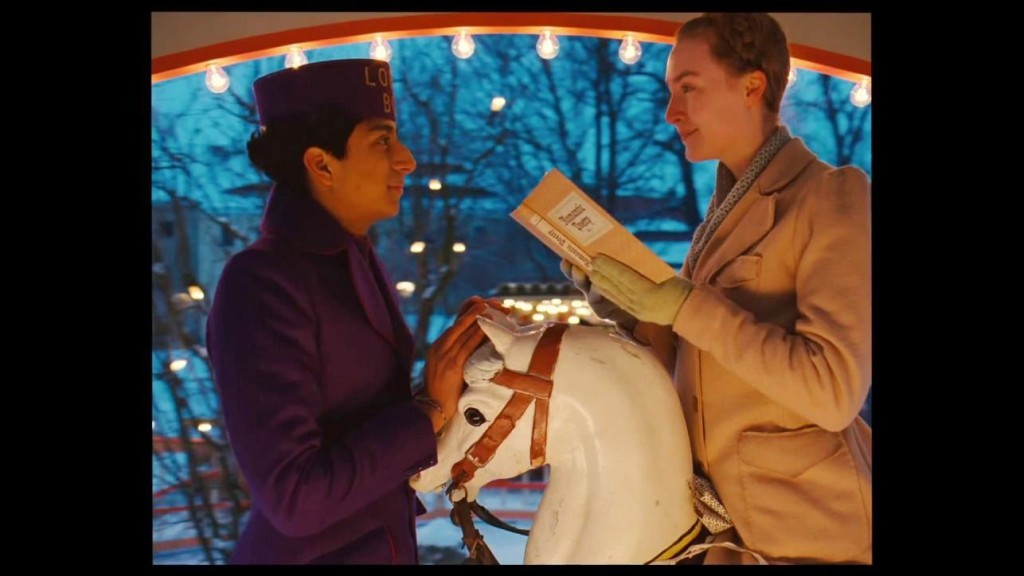 the-grand-budapest-hotel-carousel