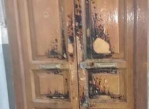 Taranto: anziano dà fuoco alla porta di un appartamento