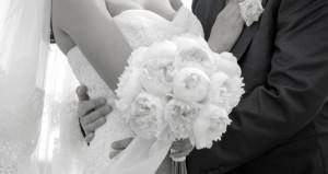Matrimoni, il parroco: 'Più la sposa si presenta svestita più paga'