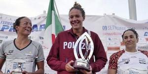 Barbara Pozzobon vince la storica traversata Capri-Napoli