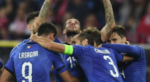 La dea bendata aiuta l'Italia nei minuti di recupero, Biraghi segna l'1-0