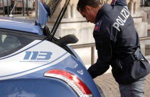 Cinese sorpreso alla guida di auto rubata ad un connazionale