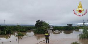 Siracusa, i Vigili del Fuoco impegnati a fronteggiare il maltempo in tutta la provincia