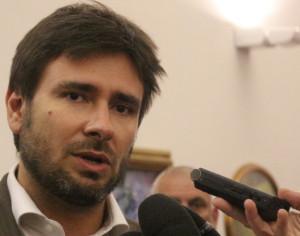 Di Battista invita a 'smetterla con le sanzioni alla Russia'