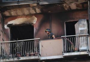 Padre brucia casa, muore il figlio undicenne: l'accusa è di omicidio aggravato