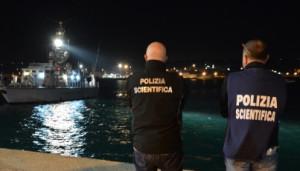 Immigrazione clandestina: fermati 11 scafisti a Ragusa e Agrigento