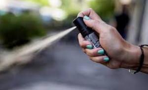Spray al peperoncino in una scuola di Pavia: coinvolti in trenta