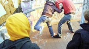 Como: banda di teppisti, 17 adolescenti fermati