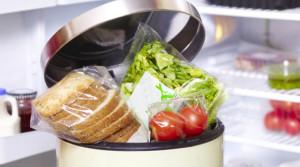 Sette italiani su dieci tagliano gli sprechi a tavola