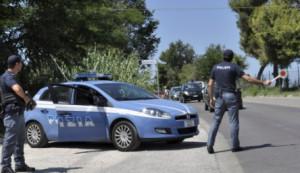 Gemelle cinesi clandestine giravano su un'auto senza patente