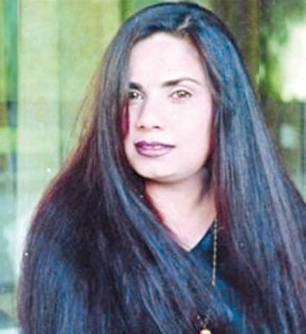جريدة الجريدة الكويتية الممثلة العراقية وفاء حسين تعترف بتورطها في مقتل المخرج عدنان إبراهيم