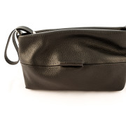 Comfortable small pochette in Italian leather. 100% Made in Italy artisanal product. Soft and wide, totally handmade by Italian artisans. Color: black.