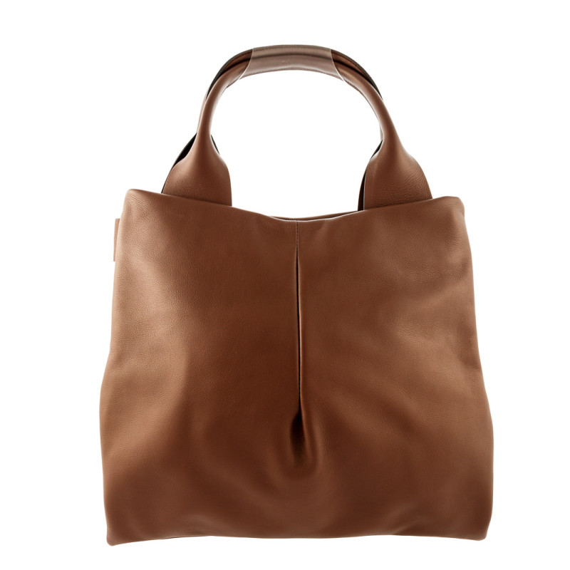 Comfortable Bag in Italian leather. 100% Made in Italy artisanal product. Soft and wide, totally handmade by Italian artisans. Color: brown, handle in leather.