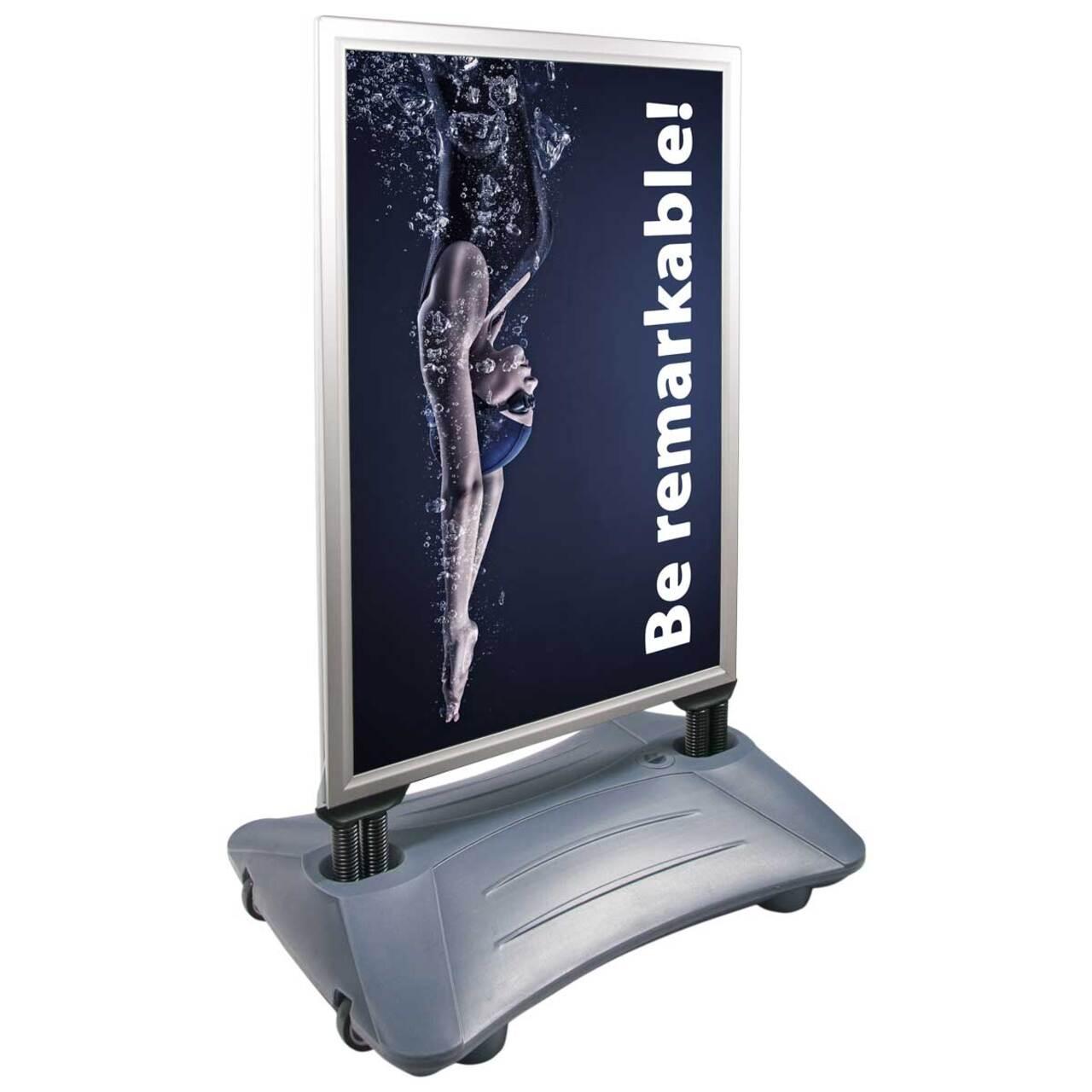 People Stopper Wind-On PREMIUM, panou mobil rezistent la vânt cu rezervor pentru apă sau nisip S5, JJ DISPLAYS, 500 x 700 mm