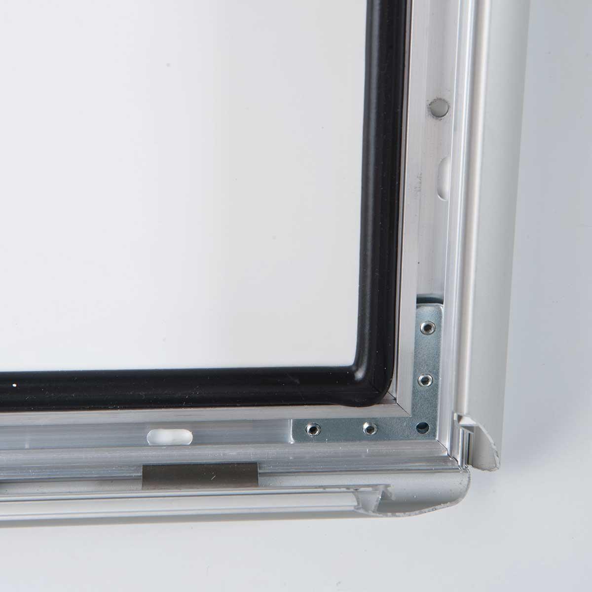 People stopper A board cu rame securizate si rezistente la exterior S7, JJ DISPLAYS, 700 x 1000 mm