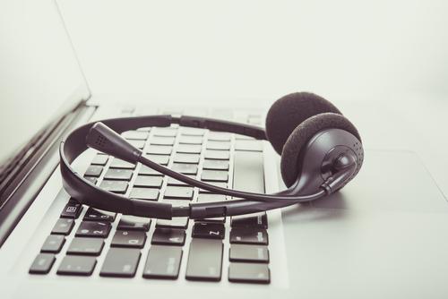 call-center-headphones