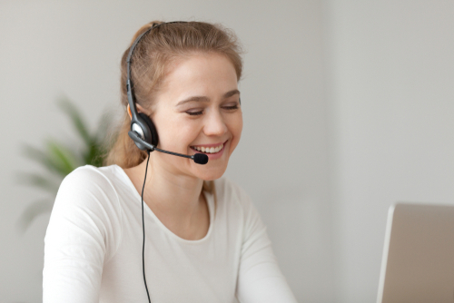 remote-call-center-worker