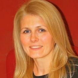 Holly Bettina Ingatlanközvetítő Székesfehérvár Székesfehérvár