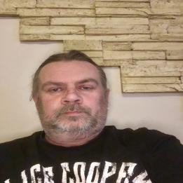 Cserép János Szobafestő, tapétázó Lovasberény Üröm