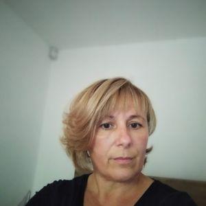 Tar Szilvia Bejárónő, házvezetőnő Vilyvitány Vilyvitány