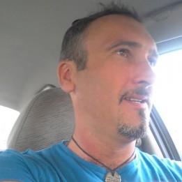 Bihari Csaba Burkoló Taksony Szigetszentmiklós