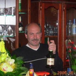Hégert Robert Bútorasztalos Szeged Szeged