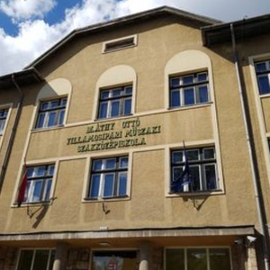 Negozio Car Kft. Kaputelefon szerelés Leányfalu Budapest - V. kerület