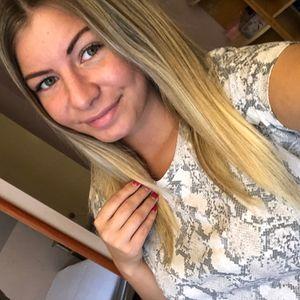 Tóth Babett Babysitter Mályi Miskolc